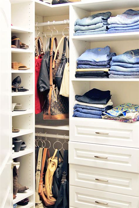 How To Organise Bags In Closet by Organize Your Handbags And Purses