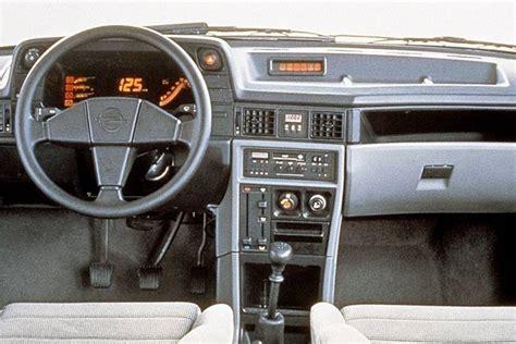E A Interiors 5 digitale dashboards uit de eighties deel 2 auto55 be nieuws