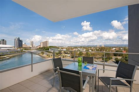 appartments gold coast broadbeach holiday apartments freshwater point resort