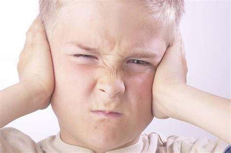 dolore interno orecchio mal d orecchio occhi e orecchio