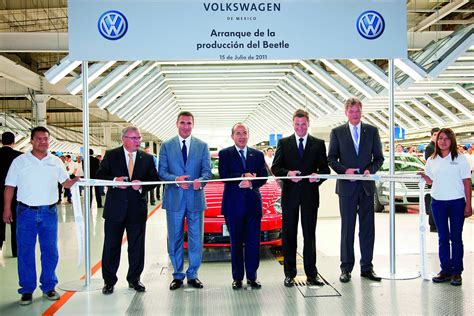 volkswagen puebla vw begins series production of 2012 beetle in mexico
