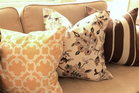 How To Make Pillows Without A Sewing Machine by No Sewing Machine No Fear These Diy Throw Pillows