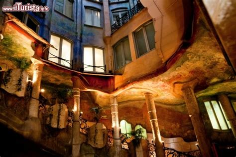 casa milà interno scale interne alla pedrera di barcellona 169 foto