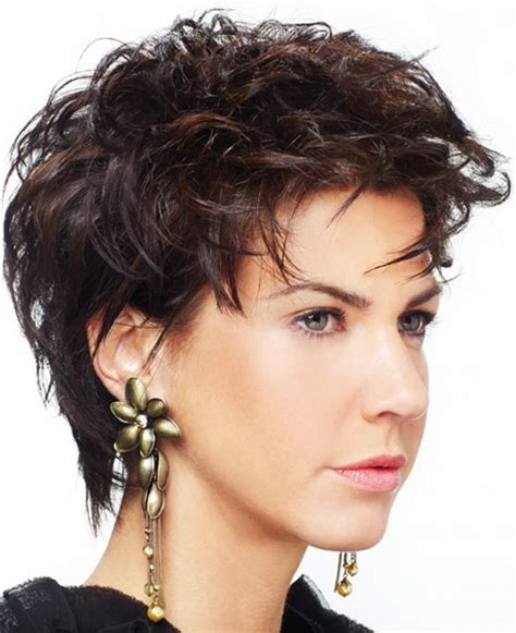 shag hairstyle for fine hair and round face short hairstyles for fine hair and round faces