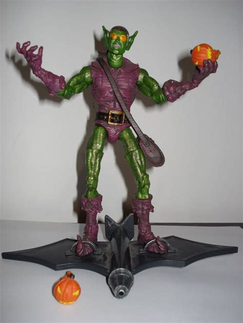 Green Goblin Figure Marvel 1000 images about green goblin figure on the amazing marvel legends and toys
