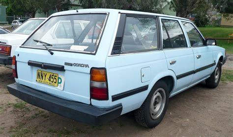 1985 toyota corolla wagon file 1985 toyota corona st141 s station wagon 2009 09