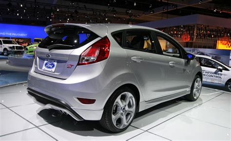 small engine maintenance and repair 2013 ford fiesta seat position control 2013 ford fiesta st video first look 2012 la auto show 187 autoguide com news
