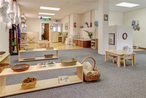 What Is A Montessori Bedroom Mam Montessori Angers Ulule