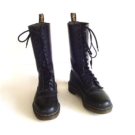 wearing combat boots combat boots thechicnotebook