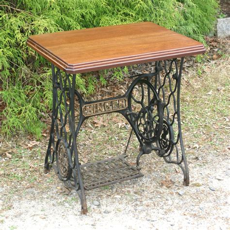 Singer Sewing Machine With Table by Singer Sewing Machine Treadle Table Steunk By Sweetiesattic