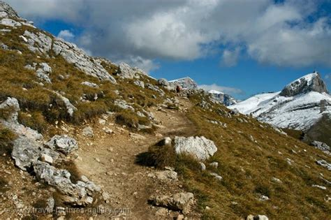 travel trip journey dolomites italy pictures of italy the dolomites 0041 trekking in the