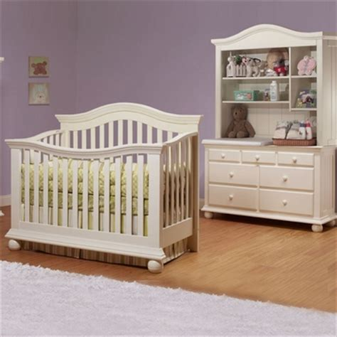 Sorelle Vista Crib by Sorelle Vista 3 Nursery Set Couture Convertible