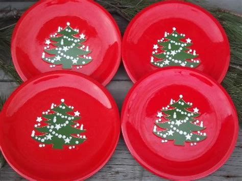 4 red and green christmas tree dinner plates