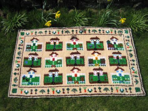 make a rug kit around the houses latch hook rug kit