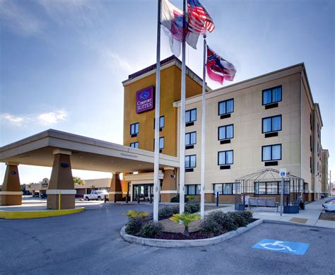 Comfort Suites Gulfport In Biloxi Hotel Rates Reviews