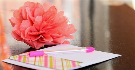 How To Dress Up A Gift Card - make it handmade 5 simple ways to dress up a gift card