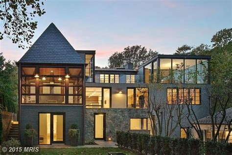 Cabins In Washington Dc by It S Impossible To Overlook This Modern Gem On Dc S