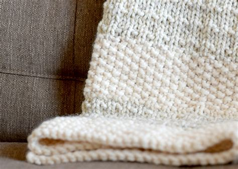 easy knit blanket easy heirloom knit blanket pattern in a stitch