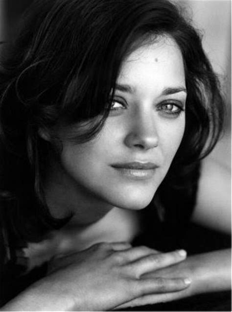actress who had dark hair and a mole sevenstarsdivas marion cotillard