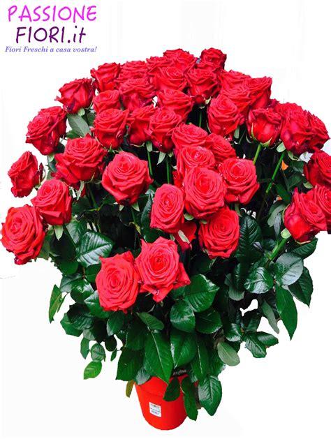 fascio di fiori fascio 50 rosse passionefiori it fiori freschi a