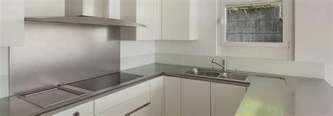 plaque inox pour cuisine cr 233 dence fond de hotte pour la cuisine maplaqueinox com