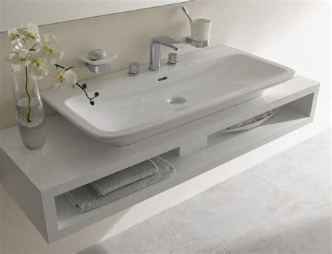 modernes badezimmer waschbecken moderne badezimmer mit minimalistischem design toto
