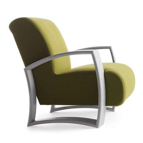 poltrone moderne poltrona con struttura in legno seduta e schienale