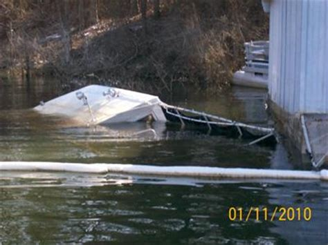 sinking houseboat amsterdam sinking houseboat