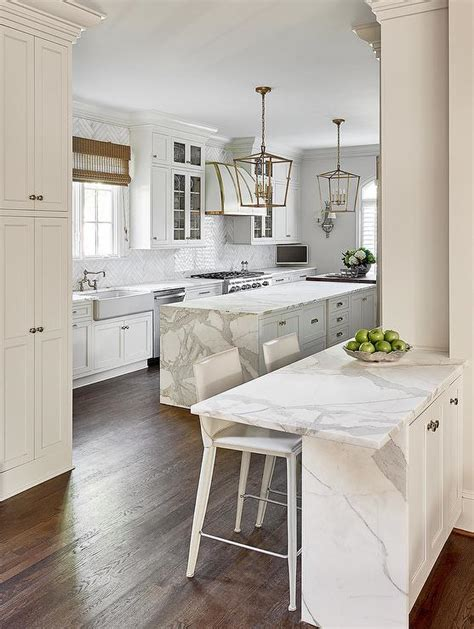 kitchen peninsula cabinets peninsula raised breakfast bar design ideas