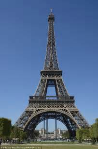 How Big Is 40 Square Meters australian woman climbs 1 700 steps of the eiffel tower in