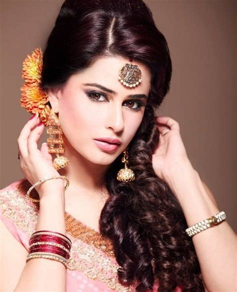 open hair hairstyles for indian wedding 21 gorgeous indian bridal hairstyles zuri