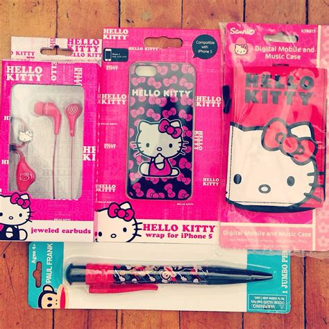 Hello Kitty Giveaways - hello kitty from sparkle bee giveaway my strange family
