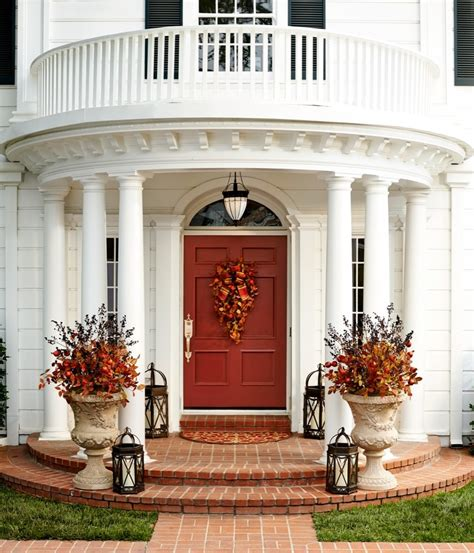67 Cute And Inviting Fall Front Door D 233 Cor Ideas Digsdigs Front Door Decor