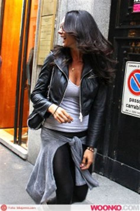 elisabetta canalis sedere minetti shopping in leather