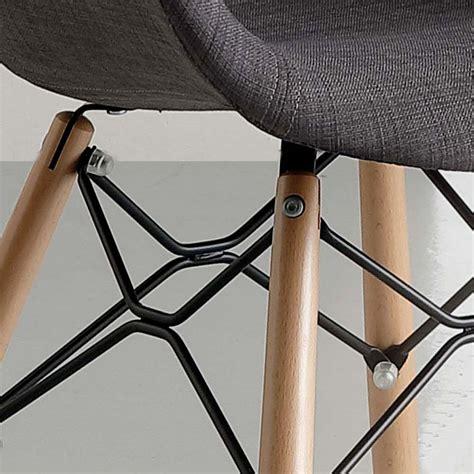 stuhl mit armlehne gepolstert gepolsterter stuhl aus buchenholz mit armlehnen yucca