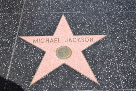 Verkar som man kan köpa sig en stjärna här? - Picture of ... Hollywood Walk Of Fame Stars Michael Jackson