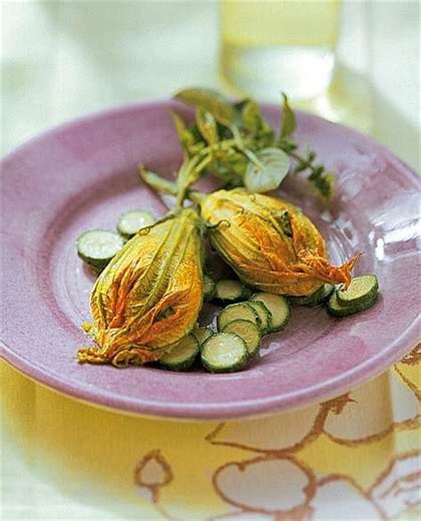 forno co dei fiori fiori di zucca ripieni con ricotta pomodorini e basilico