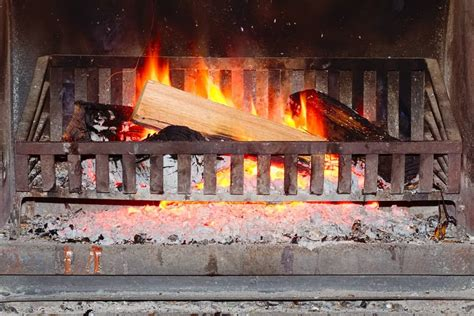 The Grate Fireplace by How To Find The Best Fireplace Grates Finest Fires