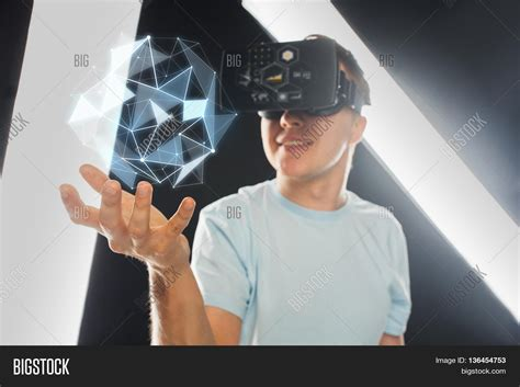 Reality 3d immagine e foto 3d technology reality bigstock