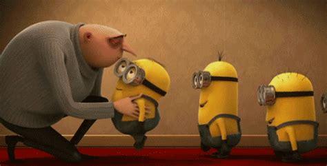 imagenes de minions dando un beso gru dando besos a los minions imagenes y carteles