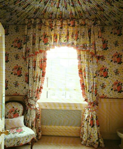 Chintz Room by 1000 Images About Decor Chintz On Armchairs