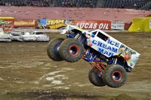 lowriders monster trucks viewing gallery