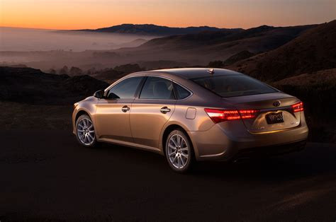 tayota in 2015 toyota avalon reviews and rating motor trend