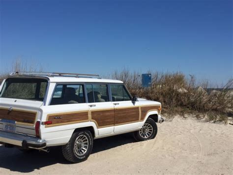 jeep wagoneer white 1991 jeep grand wagoneer bright white