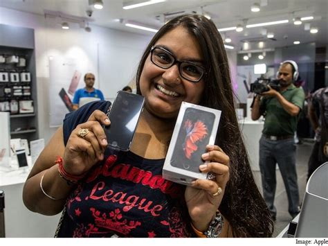 iphone 6s iphone 6s plus launched in india to an enthusiastic response technology news