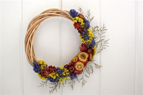 dried flower wreath life  cloverhill