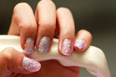 How To Make Glitter Stay On Paper - how to create nails out of glitter 13 steps with
