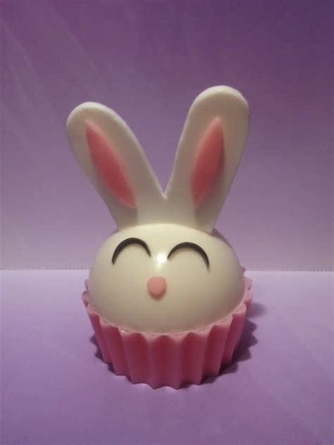 Silicone Bunny Parfum Bisa Stand items used