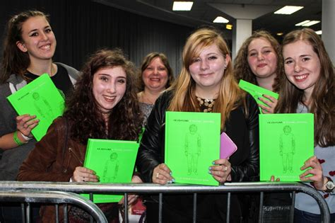 ed sheeran fan ed sheeran meets fans at book signing manchester evening