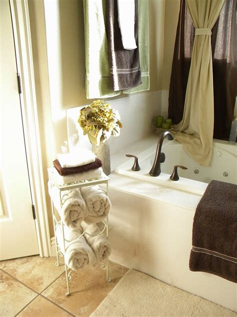 Bathroom Towel Ideas by Diy Towel Racks For A Chic Bathroom Update